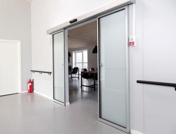 автоматические межкомнатные двери