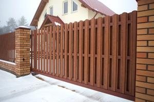 откатные ворота из металлического штакетника